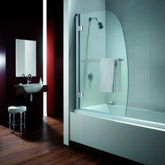 A stylish example of a Twyford Bathrooms Bath Screen